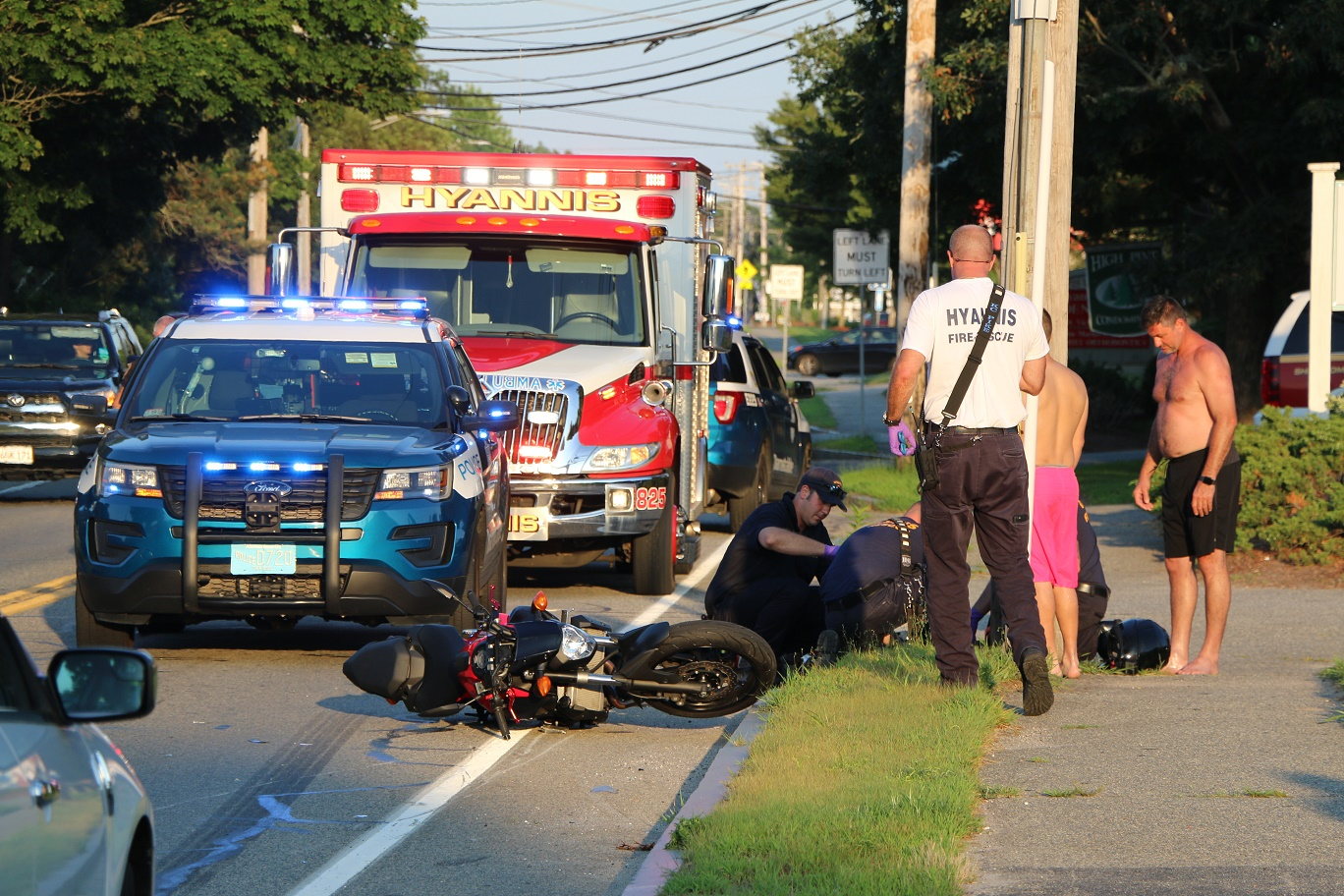 Motorcyclist hurt after collision with Mazda… [HN VIDEO