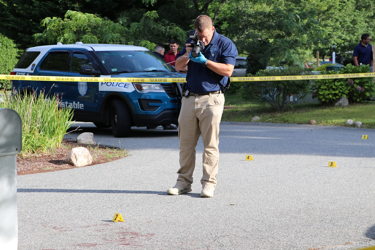 "DEVELOPING *** ""TRIPLE STABBING"" : State police forensic"