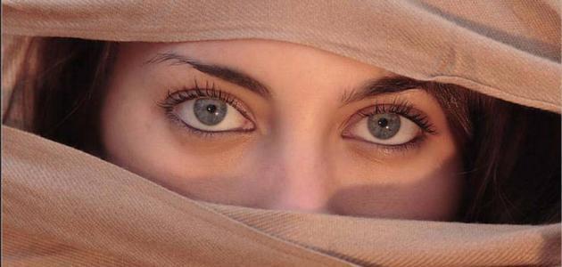 صفات اصحاب العيون الخضراء حياتك