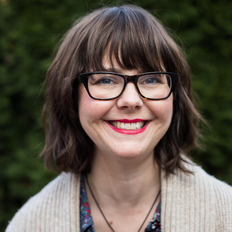 Headshot of Robyn Crummer Olson