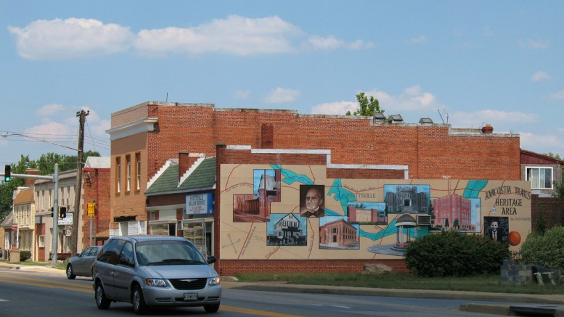 Mural along Route One