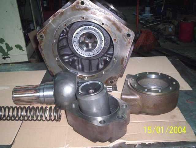 moteur_hydraulique_denison_calzoni.JPG