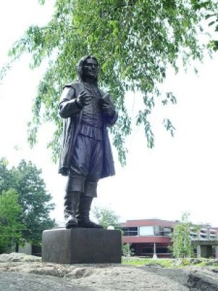 The statue of Roger Williams at Roger Williams University (Bristol, Rhode Island)