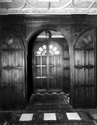 Front vestibule showing carved doors