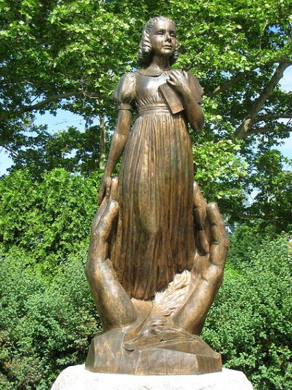 Alice Cogswell statue at the American School for the Deaf Founders Memorial) Hartford, Connecticut (by Frances Laughlin Wadsworth, 1952)