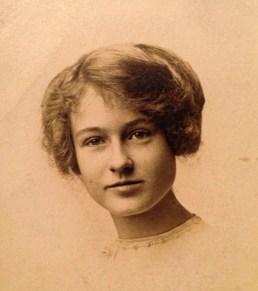 Nellie Walholm (my grand aunt)