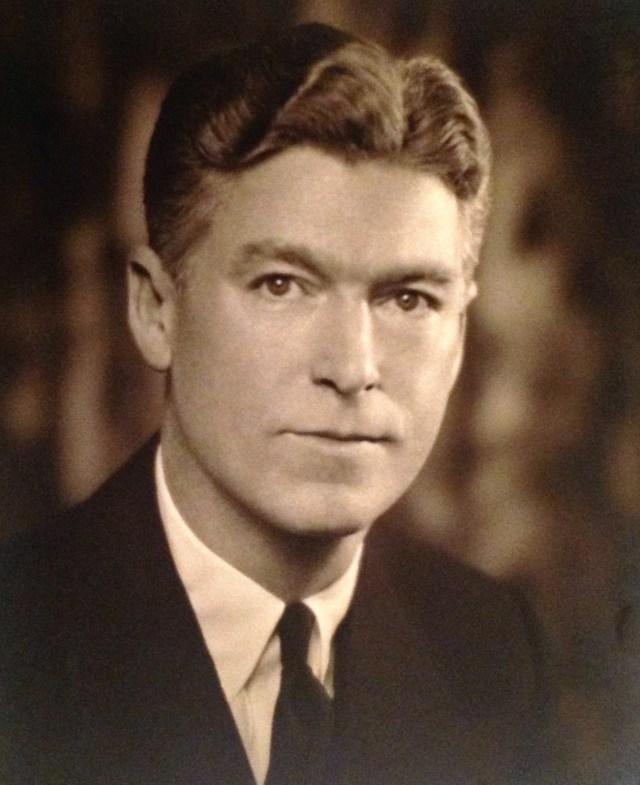 Roy Willard Walholm (1898-1965), photo taken 7 Nov 1939, Pasadena, California