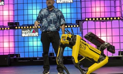 Boston Dynamics'in Robot Köpeği Kanada'da Akşam Yürüyüşü Yapıyor