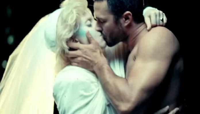 Taylor Kinney Lady Gaga