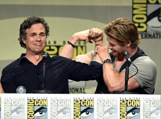 Chris Hemsworth Mark Ruffalo Muscles Showdown