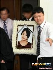 EunB Funeral 11