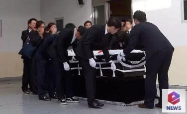 EunB Funeral 5