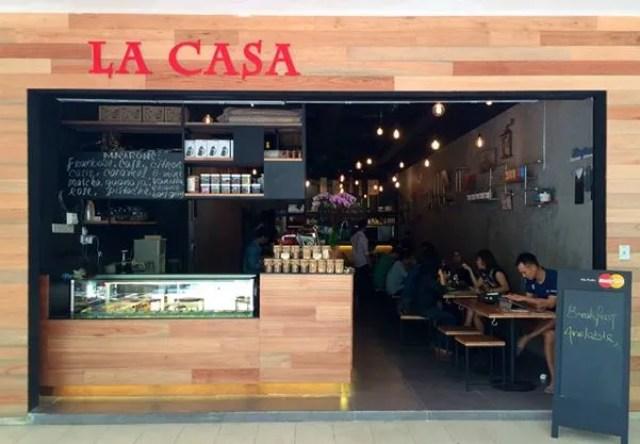 Pet Friendly Cafe La Case Cafe Publika