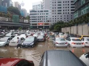 KL Flash Flood Cars UOA October 2014