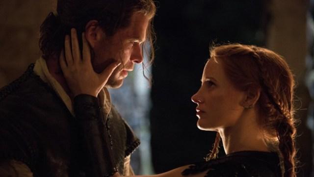 "Chris Hemsworth & Jessica Chastain in ""The Huntsman: Winter's War"""