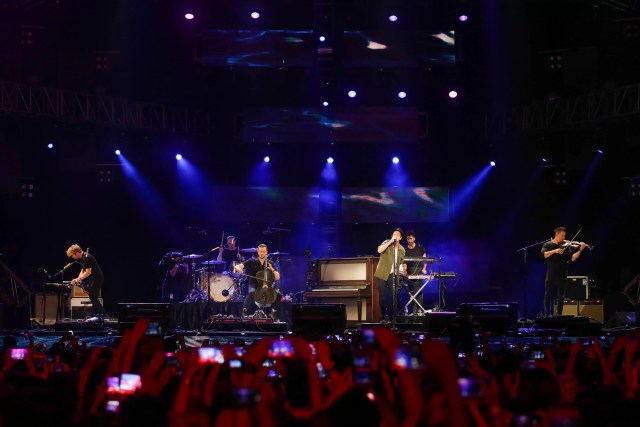 OneRepublic performs at MTV Music Evolution Manila 2016 on 24 Jun Pic 7 (Credit-MTV Asia & Kris Rocha)