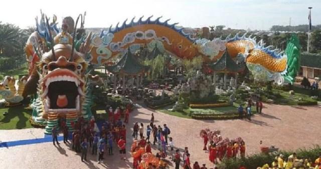 johor worlds-biggest-and-longest-dragon-tunnel