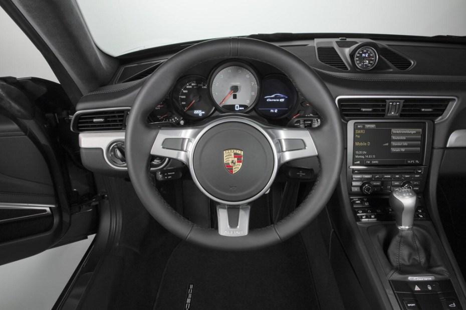 Image of Porsche Celebrates the 50th Anniversary of the 911