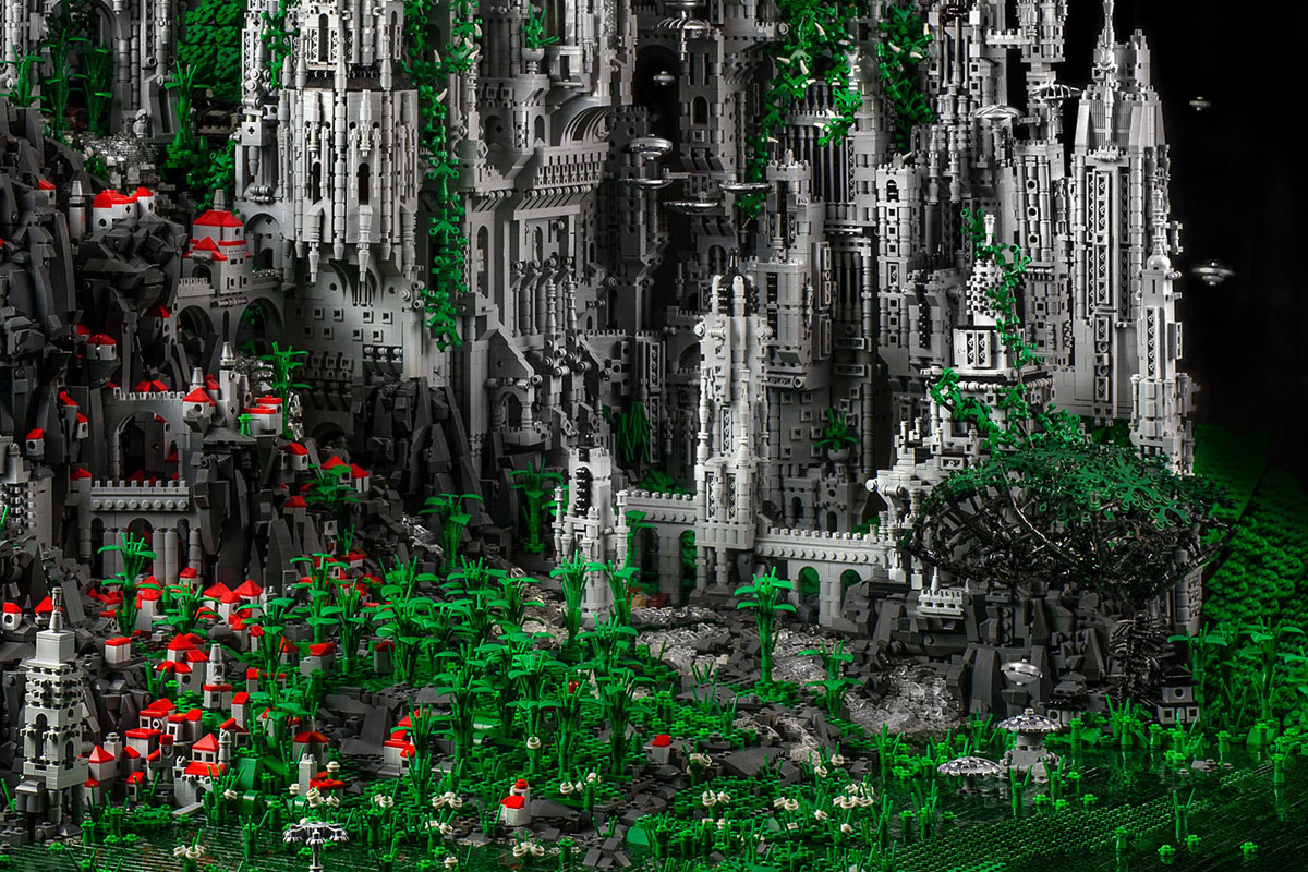 Image of Check Out This 200,000 Piece LEGO Sculpture