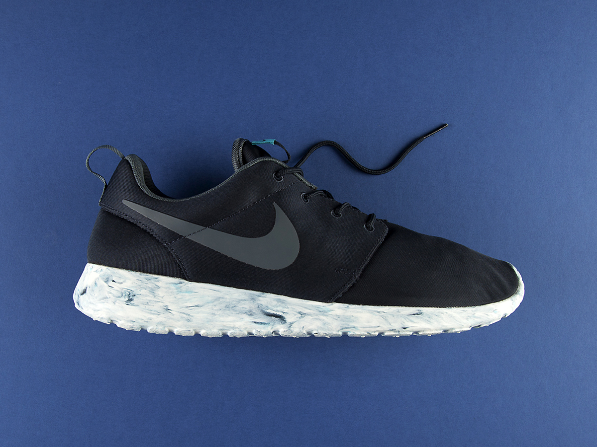 an exclusive look at the nike roshe run qs quotmarblequot pack