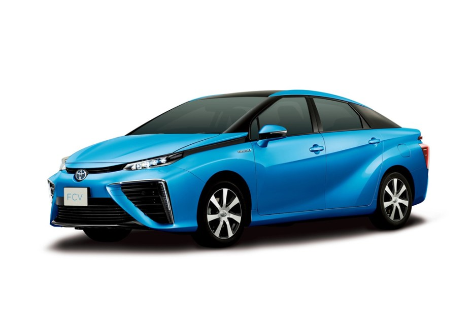 Image of Toyota Reveals New Hydrogen Fuel Cell Sedan