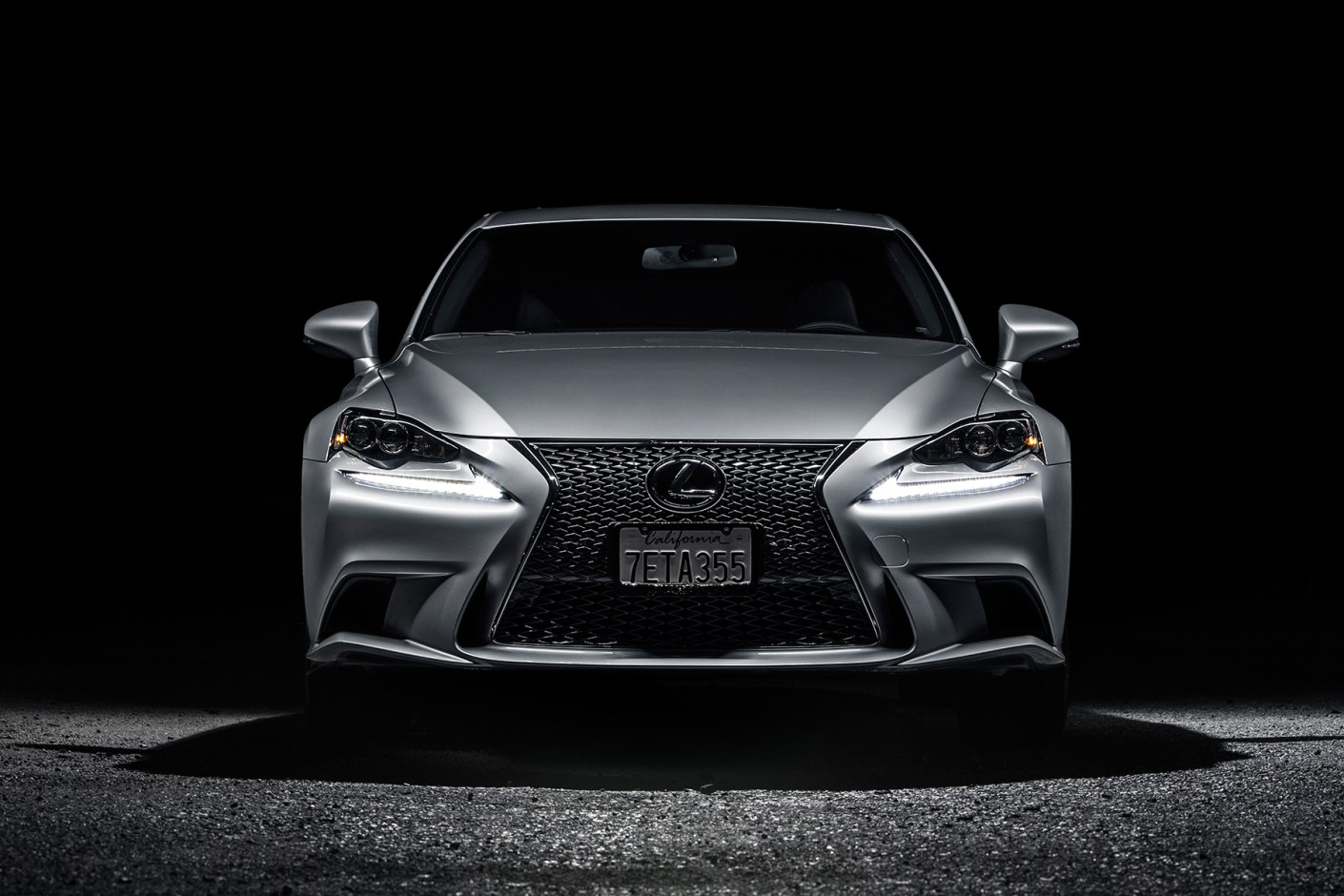 a closer look at the 2015 lexus is350 f sport. Black Bedroom Furniture Sets. Home Design Ideas