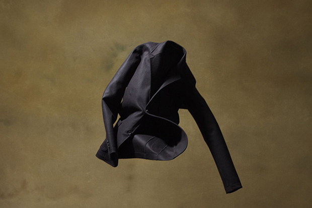 "Image of YOHJI YAMAMOTO COSTUME D'HOMME ""cut motion + motion sewing"" Collection Redefines Suits"