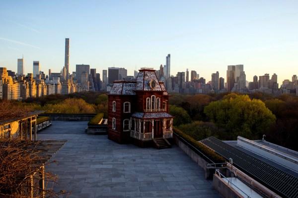Psycho House Recreated Met Museum Rooftop In Psychobarn