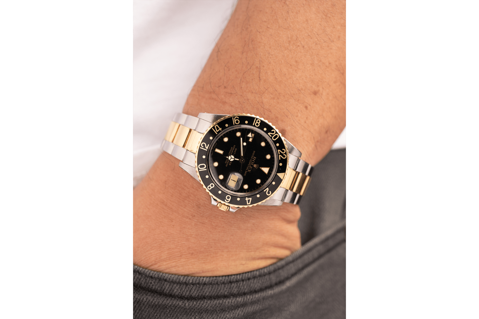 Curse of the two tone round table bobs watches grey and patina fog city vintage Rolex Serti Dial Diamonds 18k Gold swiss watch TT Two-tone GMT