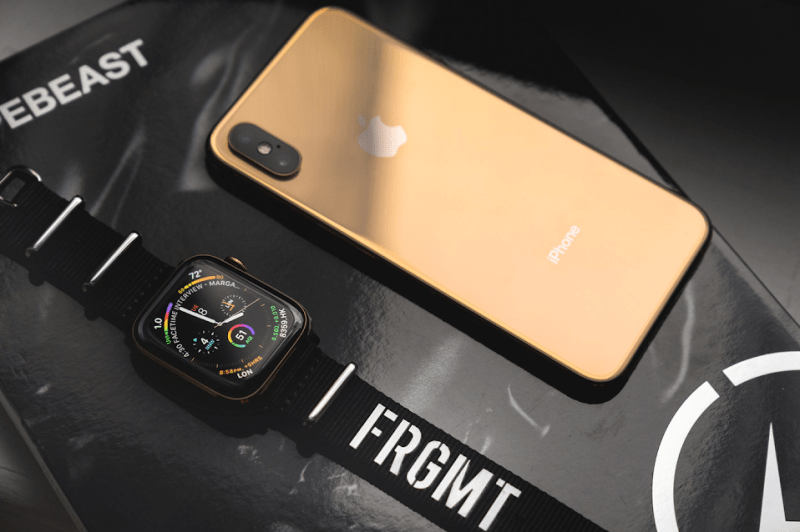 iPhone Xs, Xs Max, Apple Watch Series 4 Or