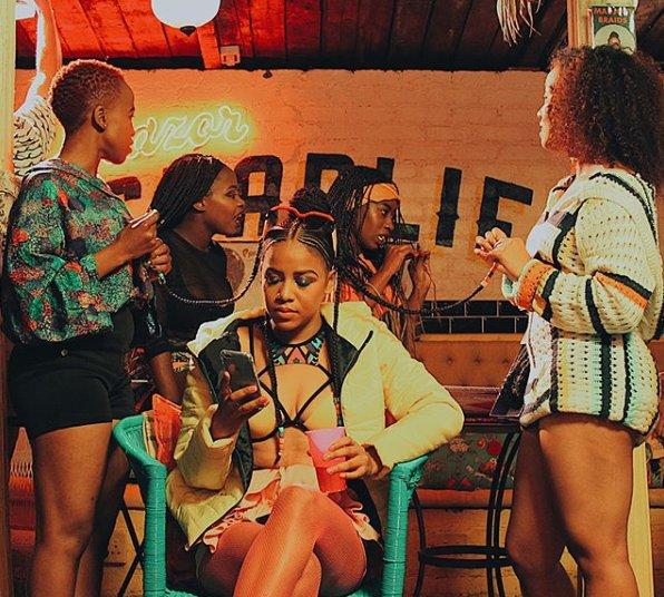 sho madjozi Sho Madjozi Drops New 'Huku' Music Video [Watch] DdoU2JdV0AAbS0X
