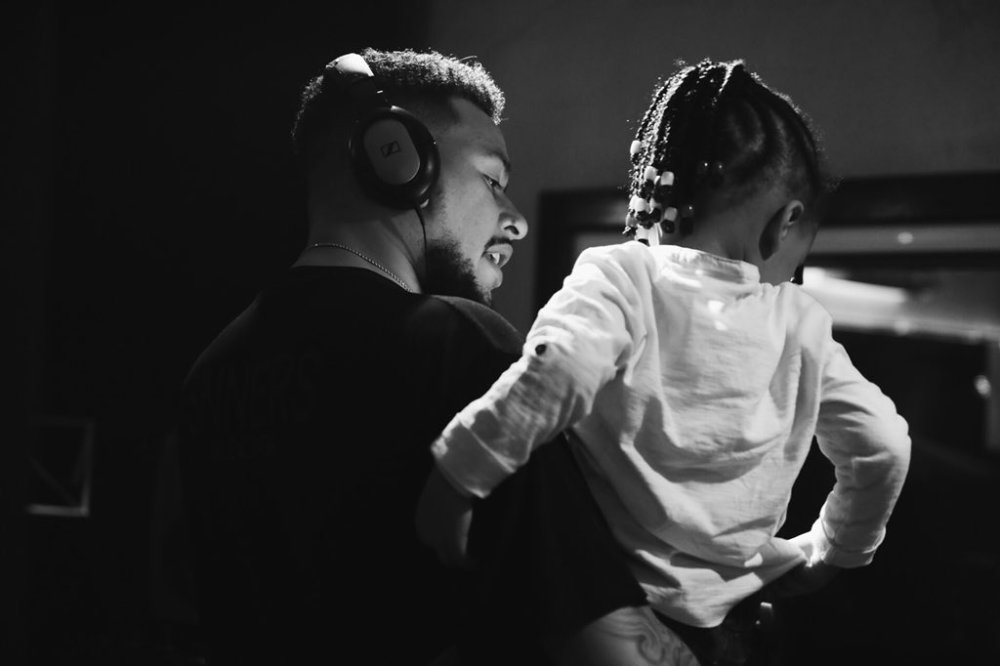 AKA's 'Touch My Blood' Album Is 100% Complete [Watch] DeD2UbRW4AAu Pm
