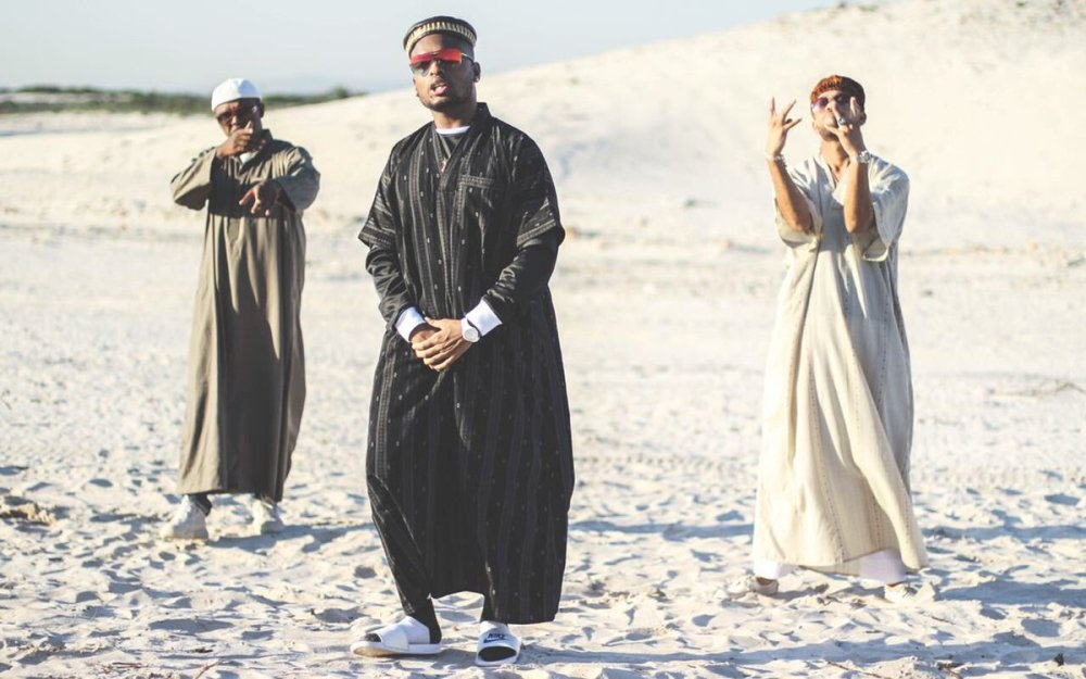 dj switch DJ Switch Drops New 'Son Of The Soil' Video Ft. K.O & YoungstaCPT Dj5k6IQX0AAKuPp