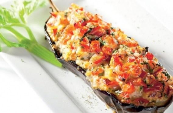 Фаршированные баклажаны: с сыром, овощами и фаршем