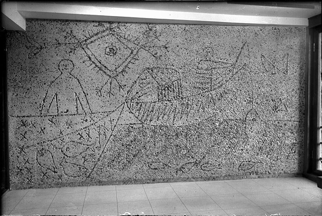 1959 photograph of a mural by Pablo Picasso in one of the Erling Viksjø-designed government buildings (photograph by W. Råger, via Oslo Museum)