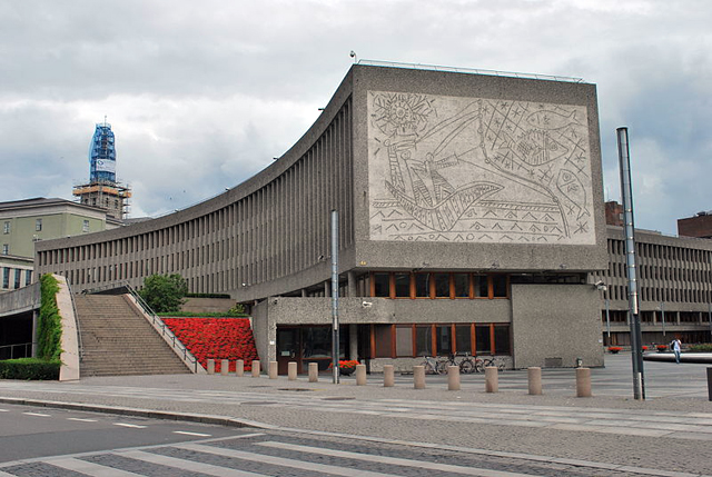 """""""The Fishermen"""" mural by Picasso and Carl Nesjar (photograph by Helge Høifødt, via Wikimedia)"""