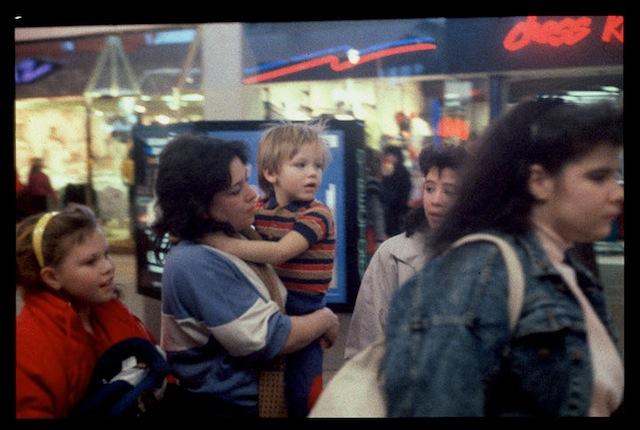 """Walking Shopping"" from Michael Galinksy's project ""Malls Across America"""