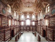The interior of the Biblioteca Girolamini, before it deteriorated (via internetculturale.it)