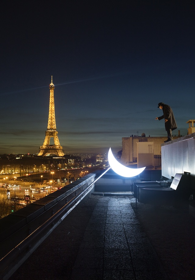 """""""Private Moon"""" and the Eiffel Tower"""