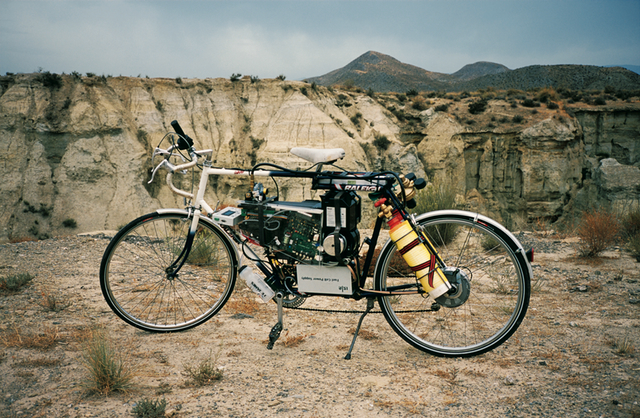 Simon Starling, Tabernas Desert Run, 2004.  Image credit: Production photographs by Simon Starling, the Tabernas Desert, Almeria, Spain. Courtesy the artist and The Modern Institute/Toby Webster Ltd, Glasgow.