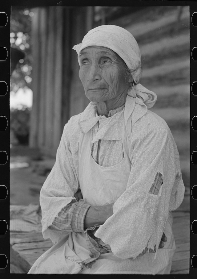 American Indian farm wife, McIntosh County, Oklahoma, photograph by Russell Lee (June 1939) (via Photogrammar/Library of Congress)