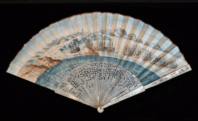 Empress of China fan (ca. 1784) depicts the Empress of China — the first American merchant vessel to trade with China. The ship departed from New York harbor in 1784 and returned the following year, laden with porcelains, silks, and teas. (image courtesy the Philadelphia History Museum at the Atwater Kent, The Historical Society of Pennsylvania Collection)