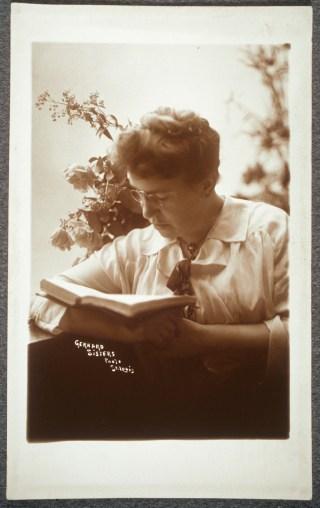 Portrait of Emma Goldman (1910-17) (Gerhard Sisters Photo, via Schlesinger Library at Harvard)