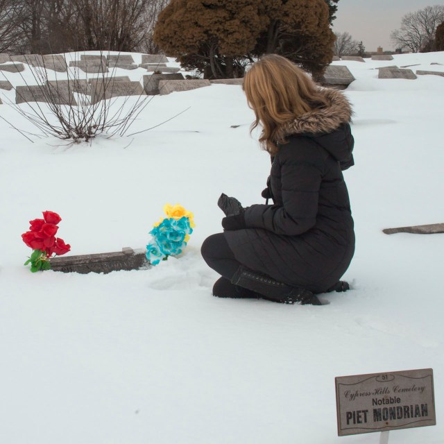 The author visiting the grave of Piet Mondrian (photograph by Zarif Taufiq)