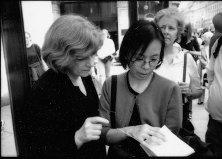 Jane Farver with Reiko Tomii in London, 2000 (photo by Jeff Rothstein) (click to enlarge)
