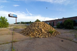 The toxic glove mound built by Hocking at the site of one of St. Louis's former ancient mounds (click to enlarge)