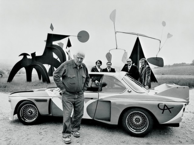 Alexander Calder and his BMW 3.0 CSL Art Car from 1975 (© BMW AG)