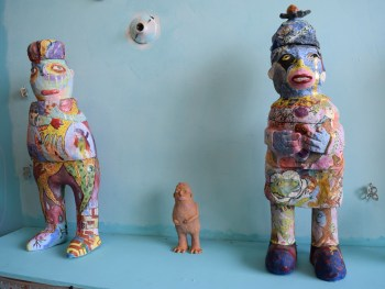 Ceramic sculptures by Lulu Yee in her studio at 1717 Troutman Street (photo by Benjamin Sutton for Hyperallergic)