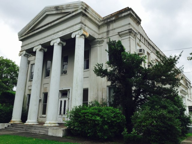 Carrolton Courthouse in New Orleans (courtesy Louisiana Landmarks)