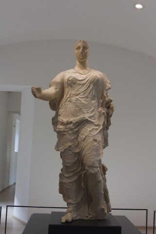 https://commons.wikimedia.org/wiki/Category:Venus_of_Morgantina#/media/File:Venus_of_Morgantina.jpg